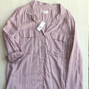 Women's Gap button down shirt